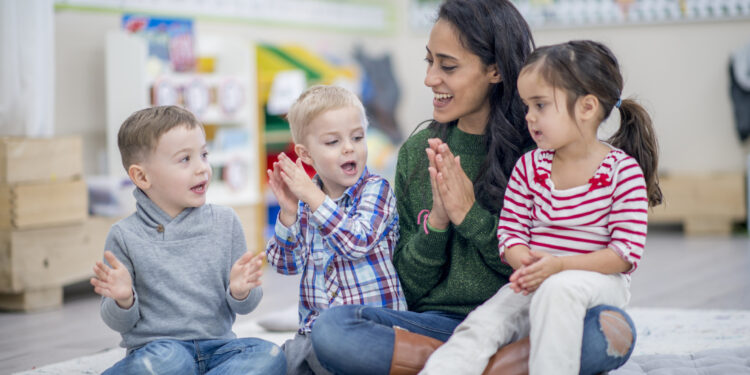 Teach children these important good manners that will come| khabar lazmi