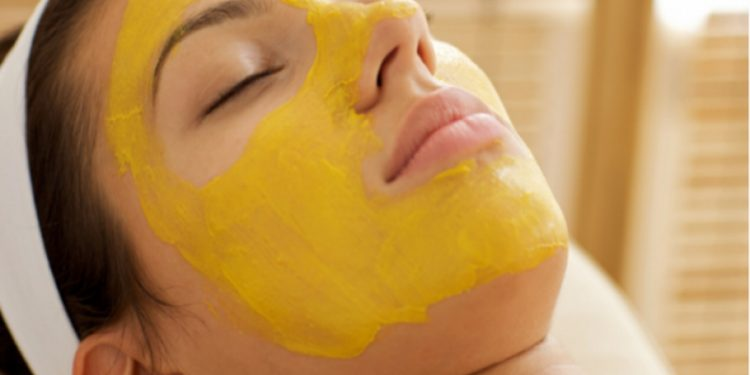 Mango is very beneficial in thickening hair and removing facial stains|khabar lazmi