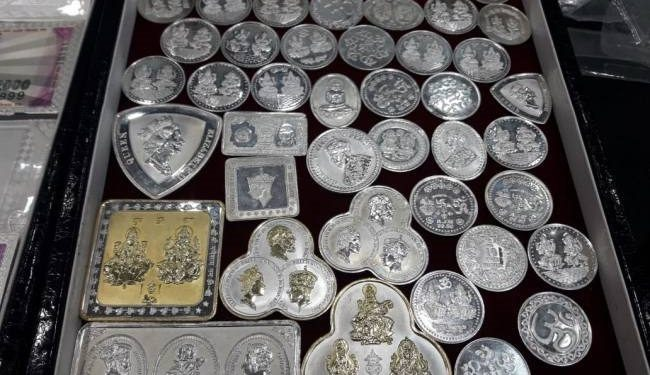 this is how you can check silver coin is fake or real | Khabarlazmi