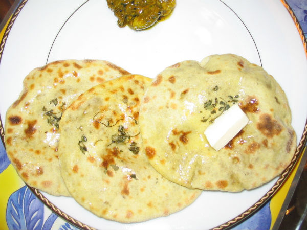 This tasty rotla in breakfast made with leftover rice - ख़बर लाज़मी