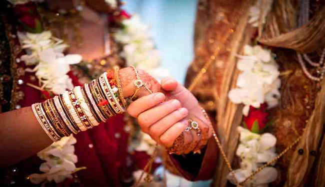 After marriage bride and groom do these acts on First Night - ख़बर लाज़मी