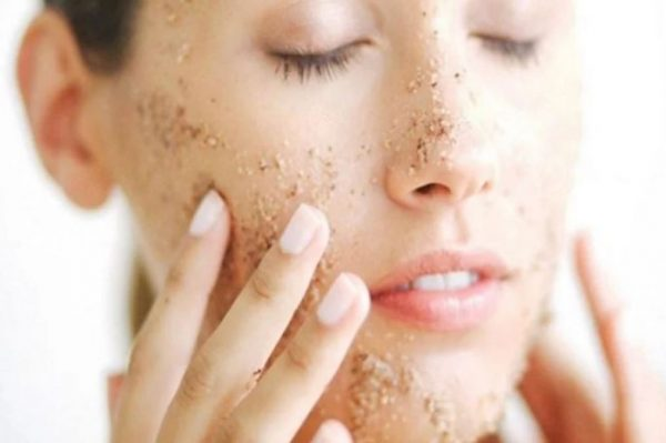 Do not use these things on your face in winter- ख़बर लाज़मी